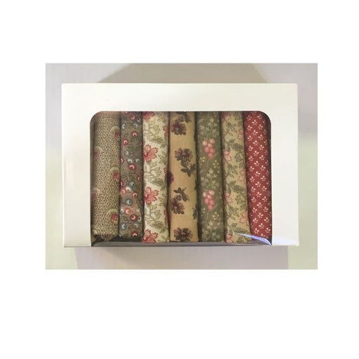 Reproduction Fat Quarter Bundle