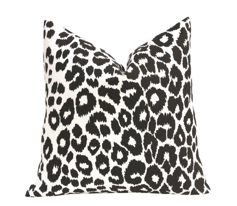OUTDOOR Iconic Leopard Pillow Cover / Double sided Schumacher Pillow / Schumacher Iconic leopard pillow cover / Outdoor Linen Cushion cover - Annabel Bleu
