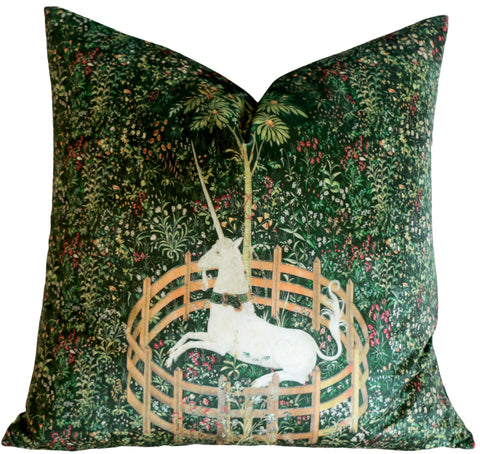 Dark Green Velvet Pillow Cover / Unicorn Velvet Pillow Cover 18x18 20x20 24x24 26x26 Pillow / Green Velvet Pillow Case / Historic Decor - Annabel Bleu