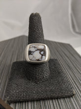 Load image into Gallery viewer, Men's Wild Horse Magnesite Signet Ring