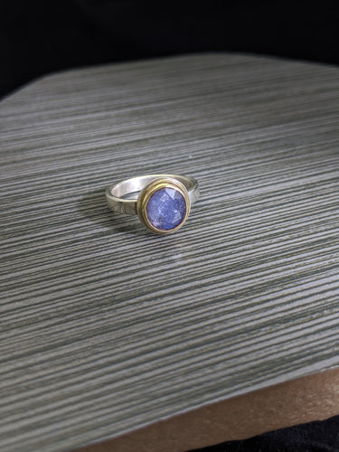 Tanzanite in Gold