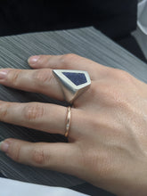 Load image into Gallery viewer, Sagenite Tiffany Stone Inlay Ring
