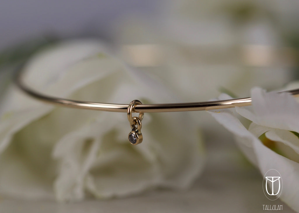 HANNAH Floating diamond bangle