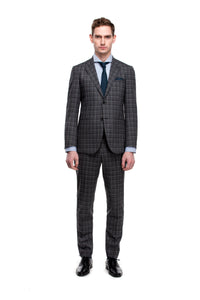 Grey Suit ottotos