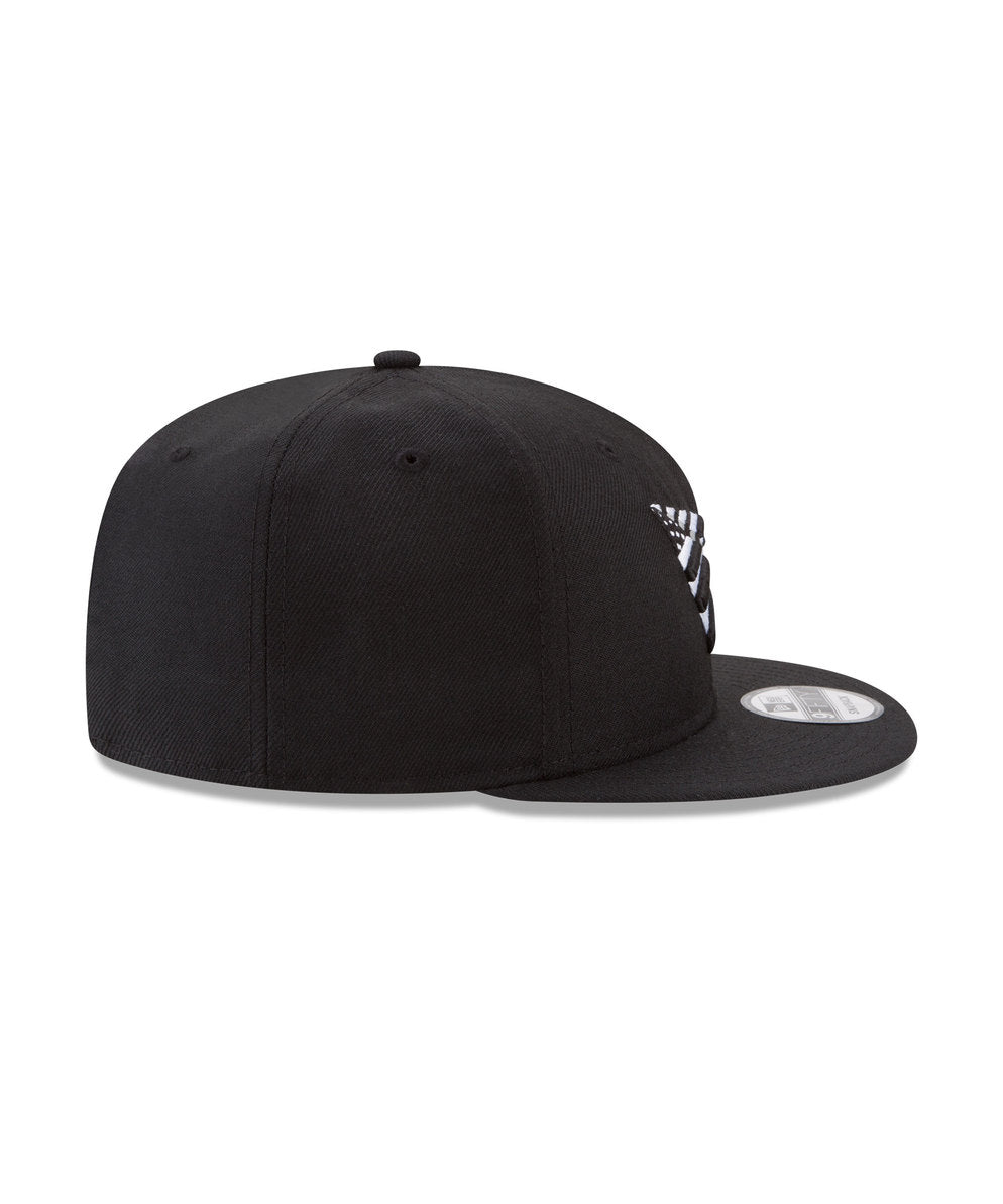 THE CROWN ORIGINAL SNAPBACK WITH GREY UNDERVISOR