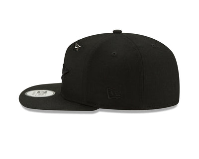 triple-color-crown-old-school-snapback-triple-black-left-side-view-hats-paperplanes