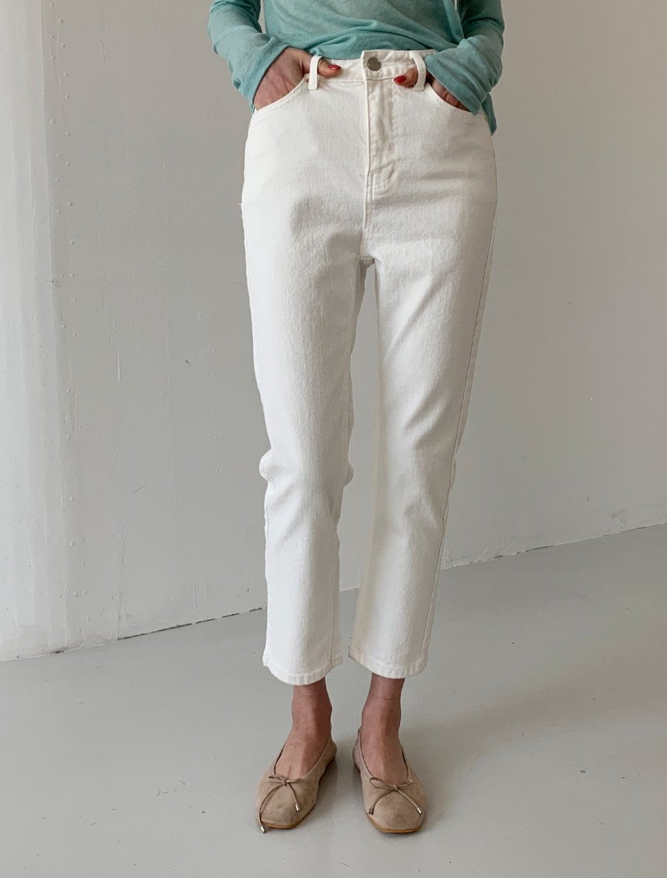 stretch White Denim Jean (s, m)
