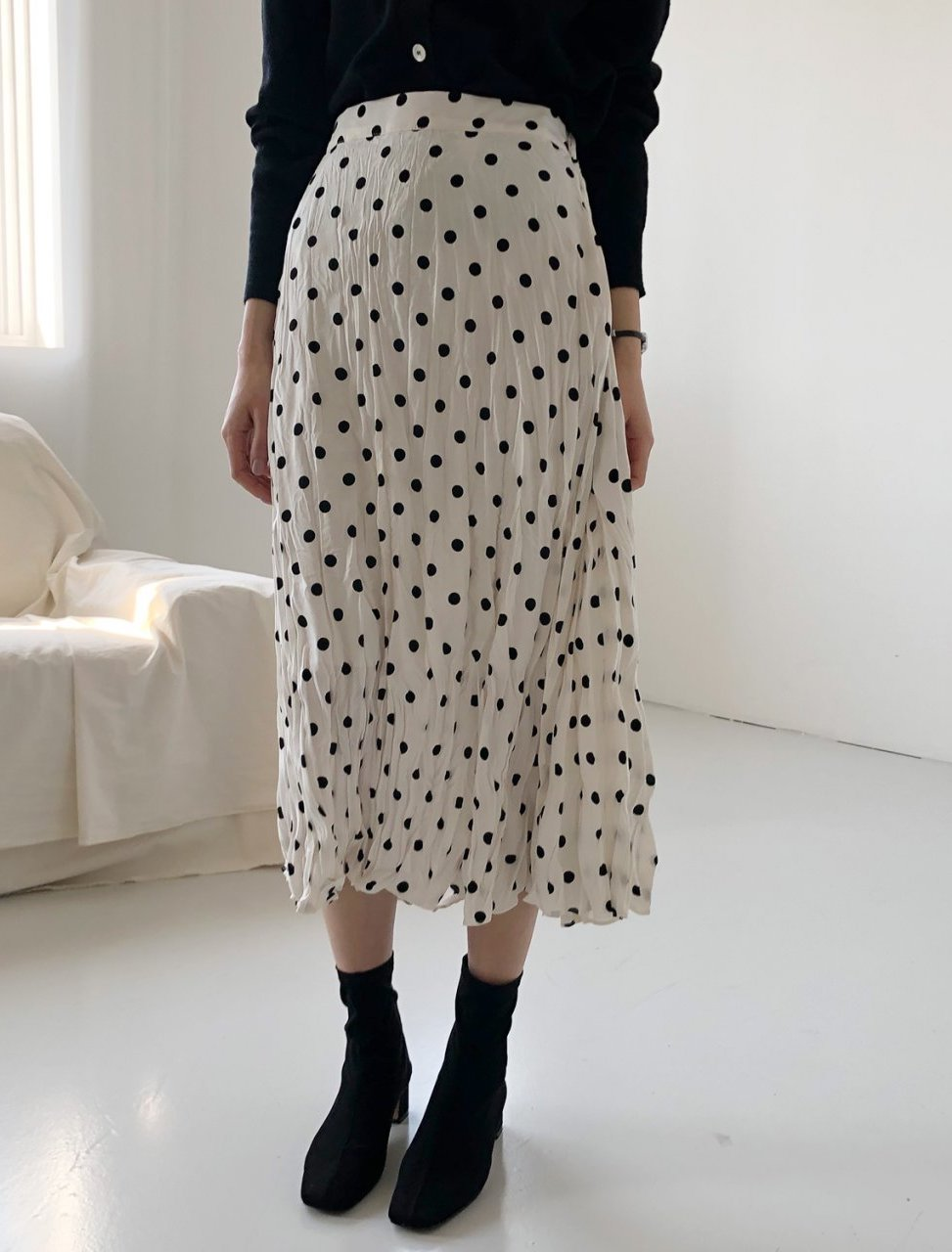 Buy Korean dot elastic waist skirt