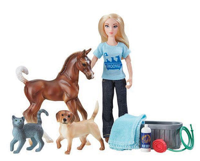 Classics Spring Creek Stable Gift Set Model Breyer
