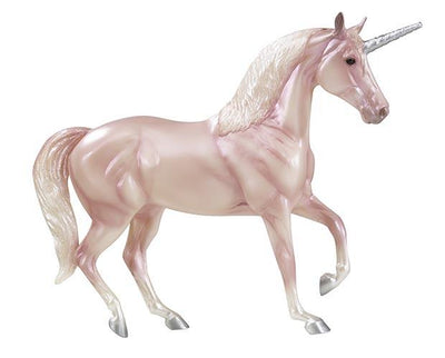 NEW Fantasy Unicorn Gift Set Model Breyer
