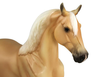 Palomino Morgan Model Breyer