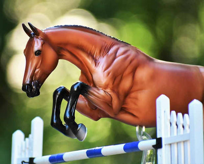 Voyeur Show Jumper Model Breyer