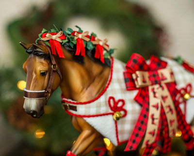 Yuletide Greetings | 2020 Holiday Horse Model Breyer
