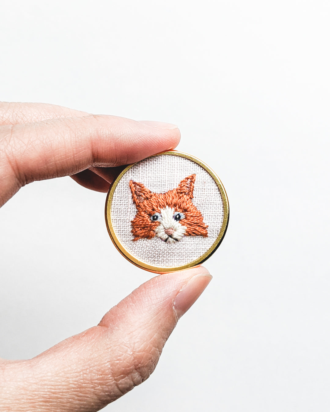 Embroidered Cat Pin - Orange Maine Coon