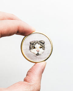 Embroidered Cat Pin - Scottish Fold