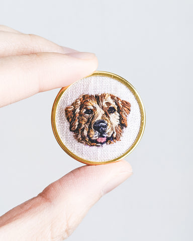 Embroidered Dog Pin - Golden Retriever
