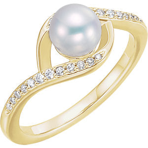 14K Yellow Freshwater Cultured Pearl & 1/8 CTW Diamond Ring