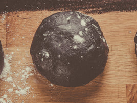 Avoid uncomfortable bloating with charcoal activated dough from Delivita