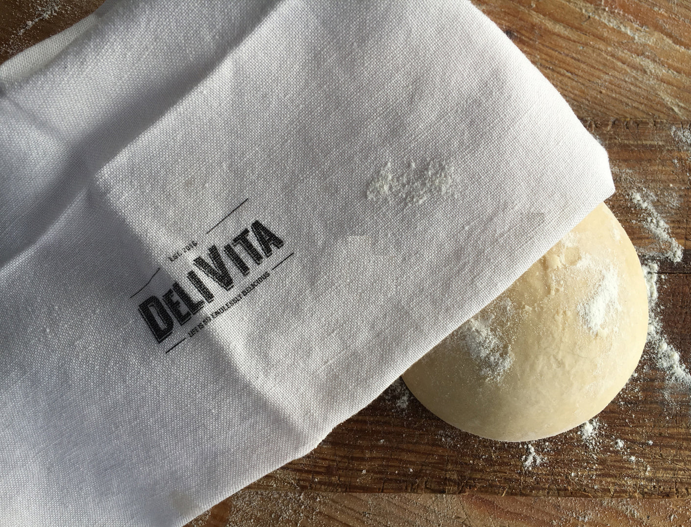 Handmade organic vegan pizza dough from Delivita