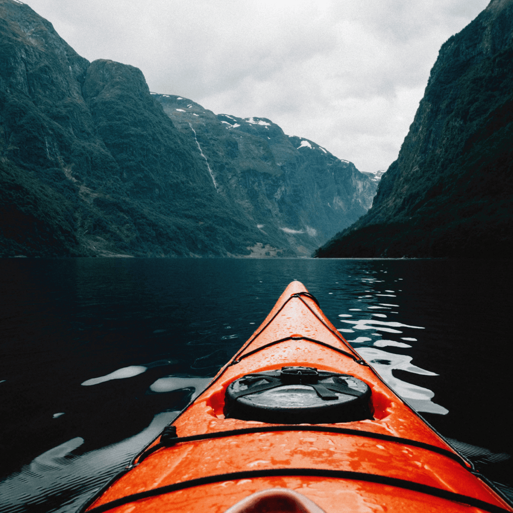 The Different Styles and Types of Kayak Paddles And Their Proper Uses | Duluth Pack