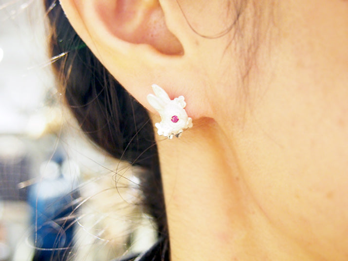 DECOvienya | Rabbit and Clover earrings(pair) | animal jewelry | 可愛勳物首飾 兔子耳釘