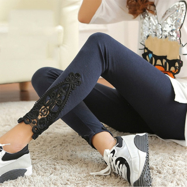 Lace Hollow legging - The Land of Florals