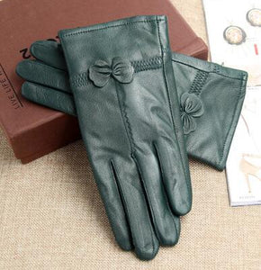 Chic Genuine Leather Sheepskin Gloves with Bow - The Land of Florals