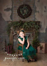 Load image into Gallery viewer, Green Queen Dress