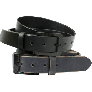 There's no metal in this belt set - carbon fiber buckles have been stitched to the handcrafted straps