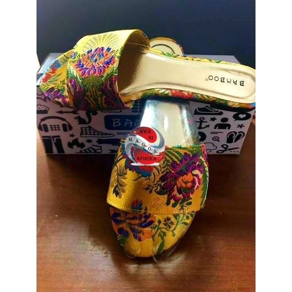 YELLOW FLORAL OPEN TOE SLIP ON FLAT (Size 8)