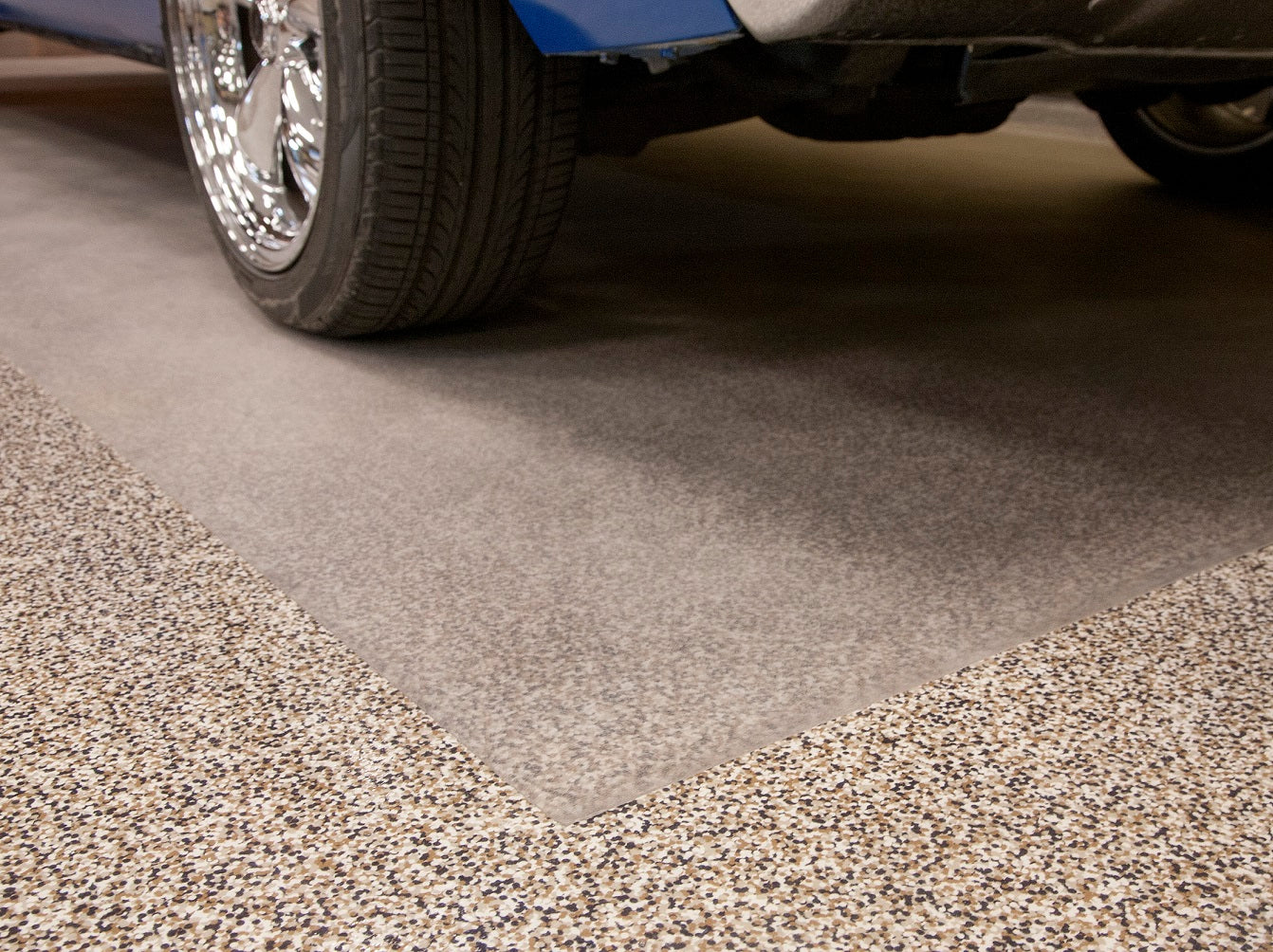 </p></br>Pros and Cons of 5 Popular Garage Floor Coverings