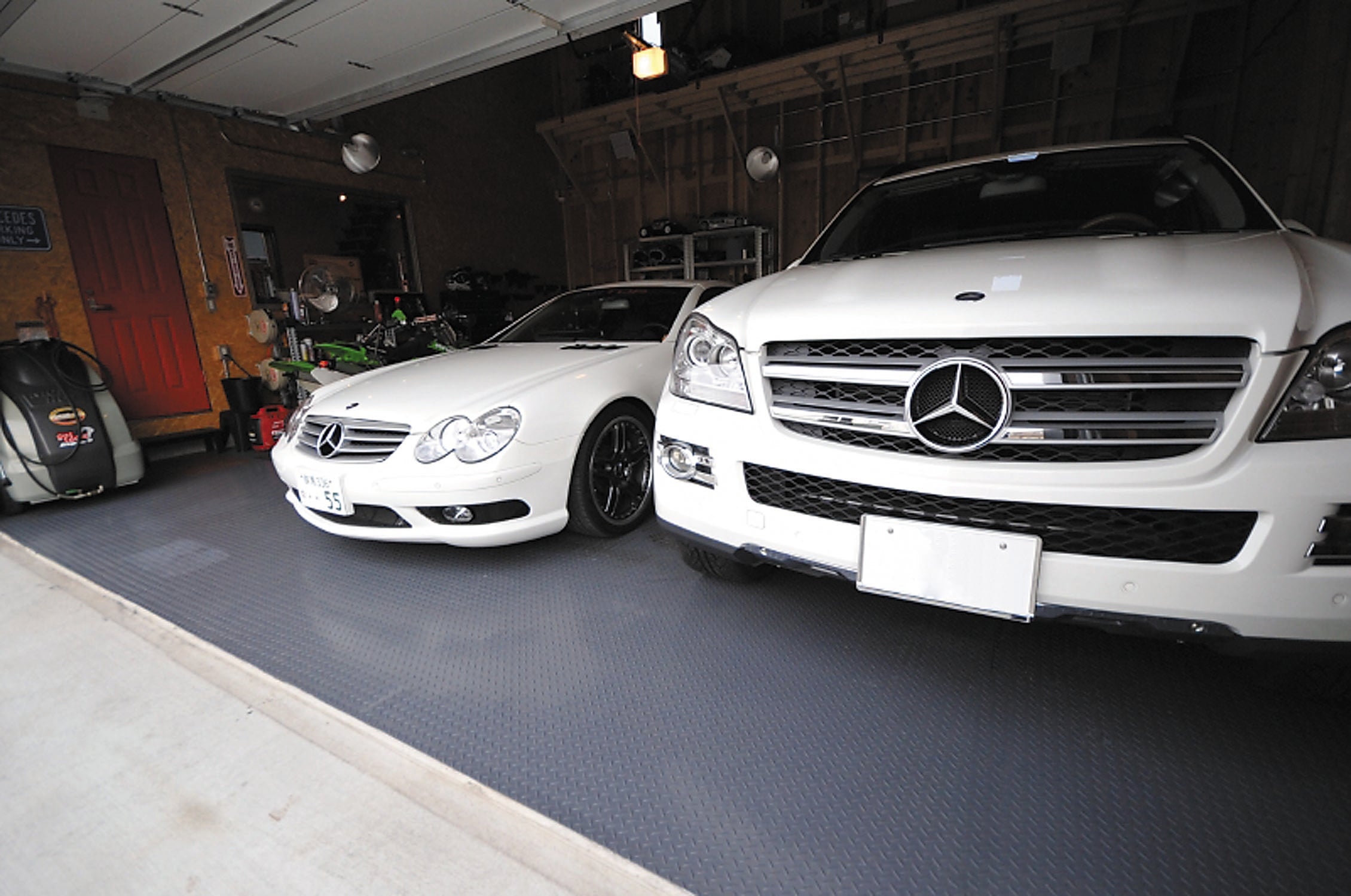 </p><br>Turn your Garage into an Impressive Showroom