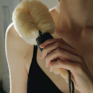 WHY DRY BRUSHING MAY BE YOUR NEXT FAVOURITE RITUAL