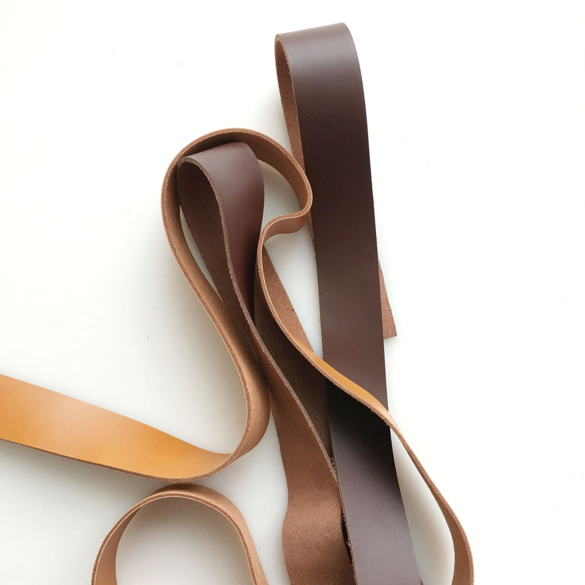 "3/4""  Dark Brown leather strap"