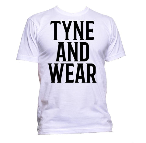 AppleWormDesign • Tyne And Wear Simple gift - Men's T-Shirt •
