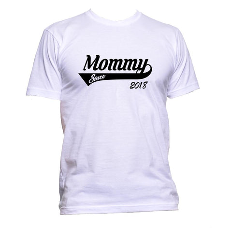 AppleWormDesign • Mommy Since 2018 gift - Men's T-Shirt •