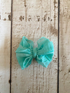 Small Ruffle Teal Bow