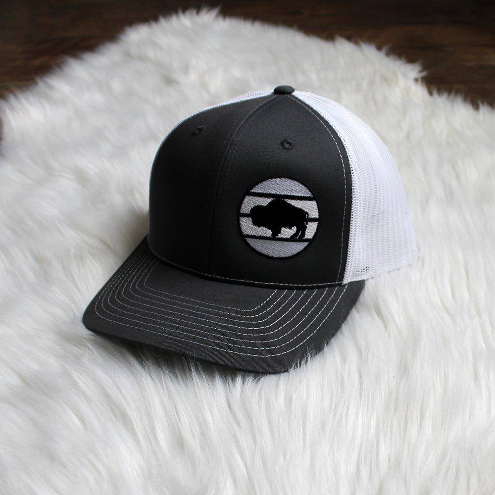 Buffalo Snapback – Black / White