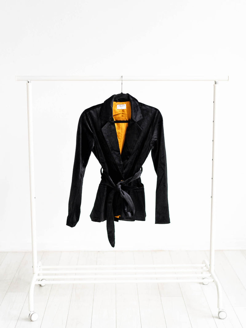 Black velvet women's blazer with inside pockets