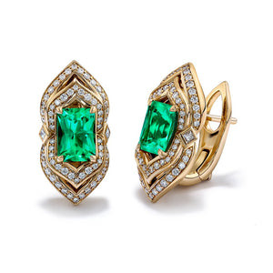 Muzo Colombian Emerald Ring with D Flawless Diamonds set in 18K Yellow Gold