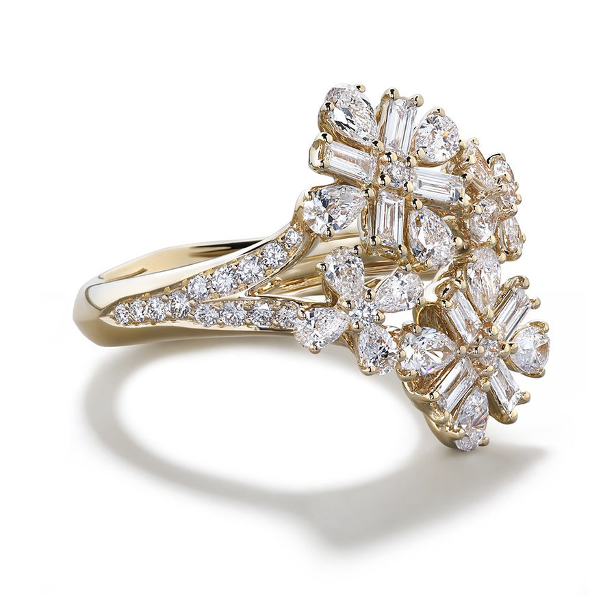 D Flawless Diamond Ring set in 18K Yellow Gold