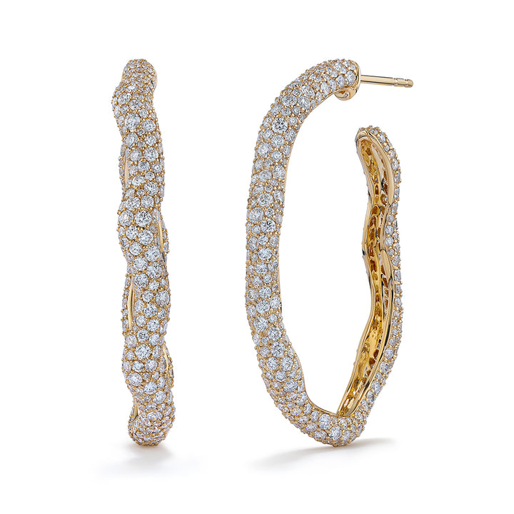 D Flawless Diamond Earrings set in 18K Yellow Gold