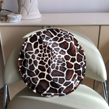 Load image into Gallery viewer, Velvet Circle Pillow - Giraffe