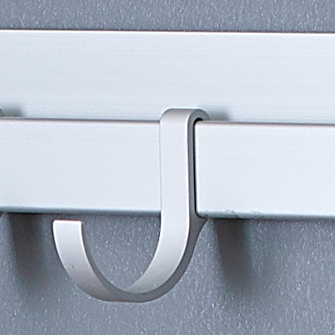 "Neat-trax™ System Adhesive Wall-Mounted 20.5"" Aluminum Track with 6 U-Hooks – Style 1035"