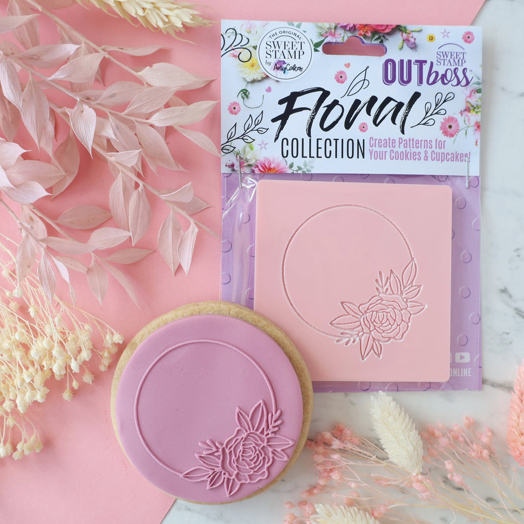 OUTboss Floral Collection - Circle floral frame