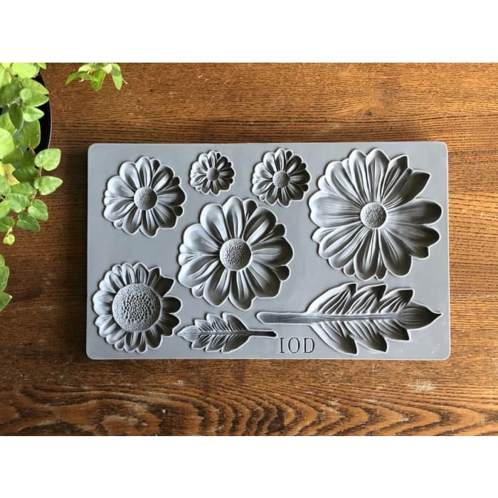 He Loves Me Decor Mould | MOULDS | $28.00