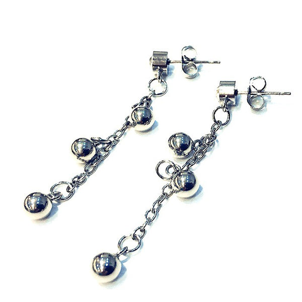 BALL CHARM EARRINGS IN STAINLESS STEEL