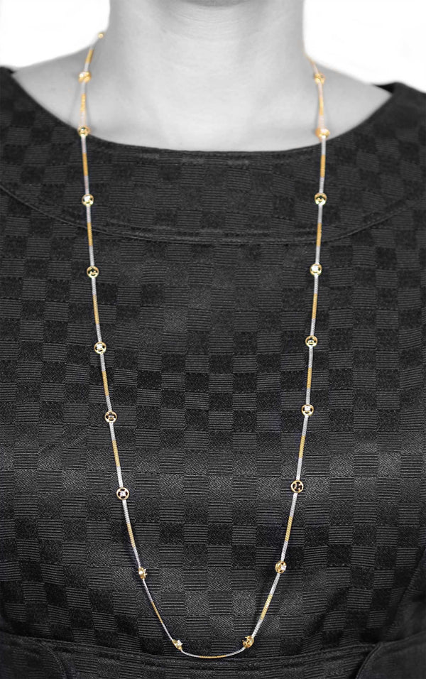 BLACK AND WHITE DIAMOND NECKLACE IN 18K GOLD (34
