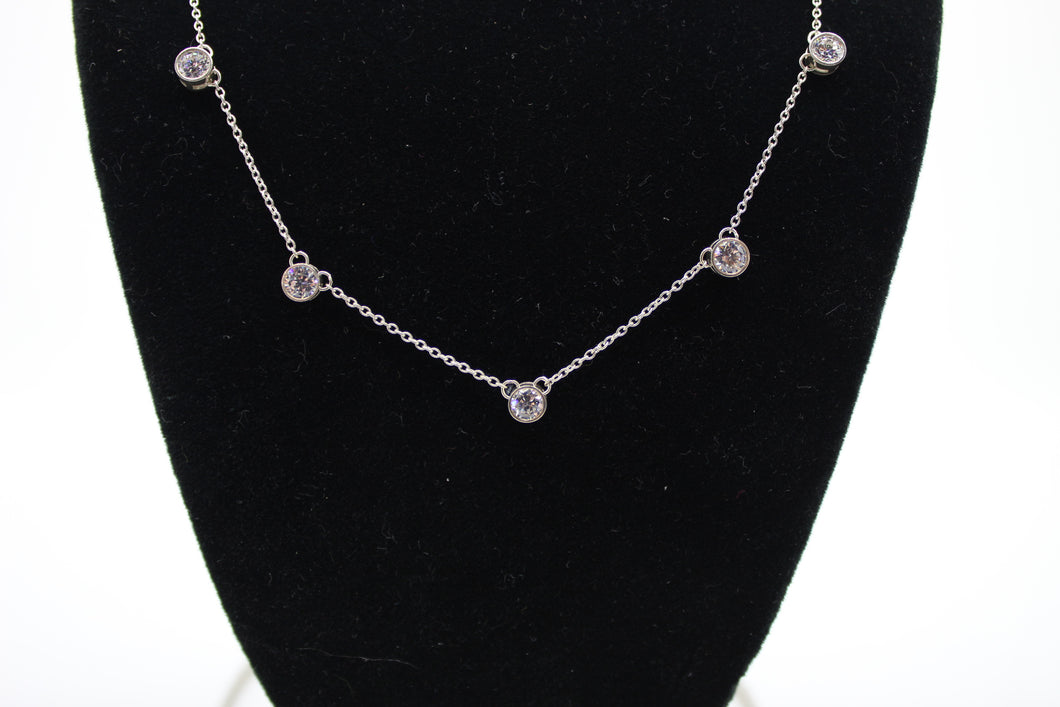 Sterling Silver 925 Necklace with 7 Cubic Zirconia - 3.2 grams, 16