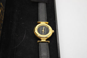 Classic FENDI Ladys Swiss Gold Plated 320L Watch Black Leather Band w/ Case